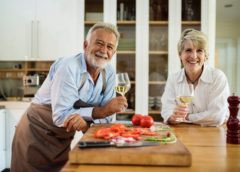 12 reasons for the elderly to get Dental Implants
